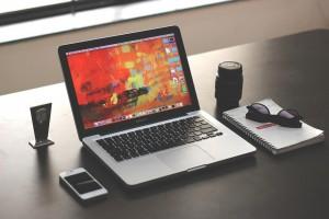 Site ou página em redes sociais: o que criar primeiro?